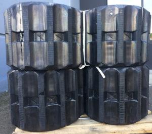 Morooka MST300 rubber track
